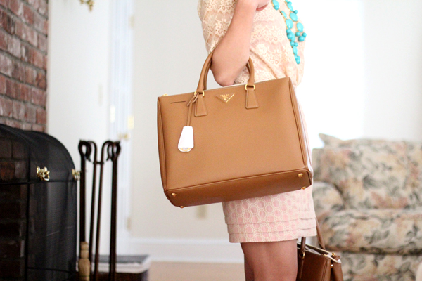 What do you think about the Prada Saffiano Tote  Of the bags I ve reviewed c3dc89abdbb17