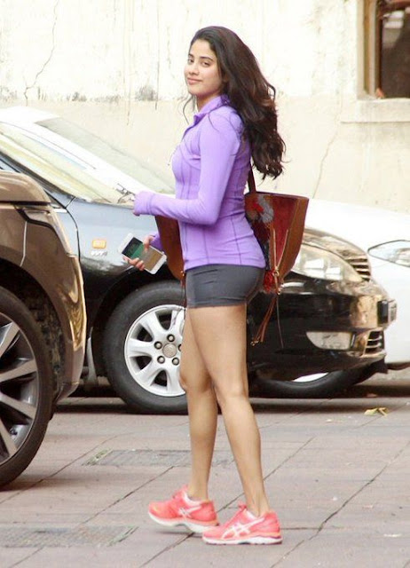 Janhvi Kapoor's casual photo