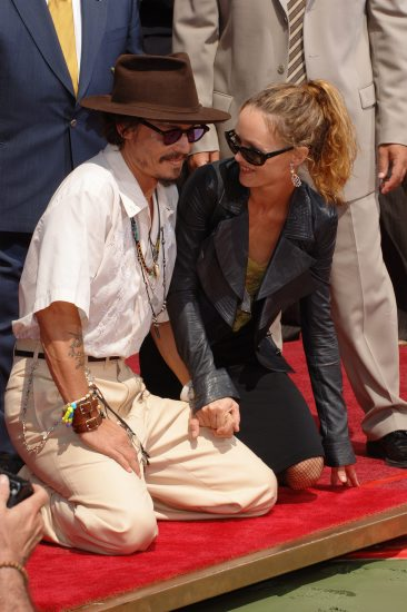 Latest Hollywood Hottest Wallpapers Johnny Depp Hot Wife Wallpaper