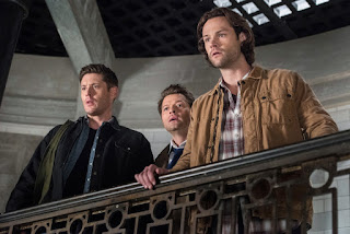 "Jensen Ackles as Dean Winchester, Misha Collins as Castiel, Jared Padalecki as Sam Winchester in Supernatural 13x23 ""Let the Good Times Roll"""