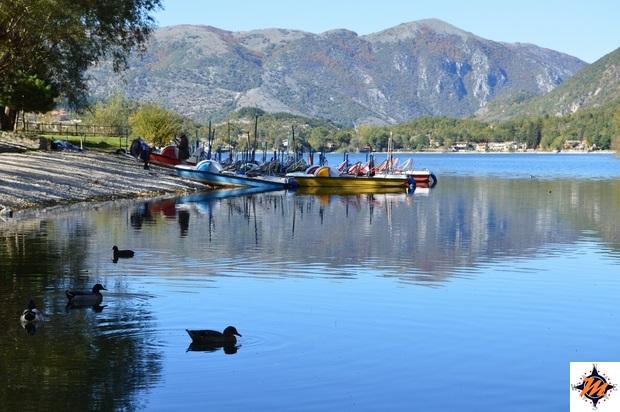 Il lago di Scanno e la chiesa della Madonna del Lago