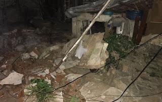 Em Campina Grande, criança morre e outra fica ferida após muro cair