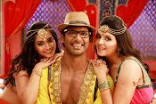 Madha Gaja Raja Movie Stills-thumbnail-9