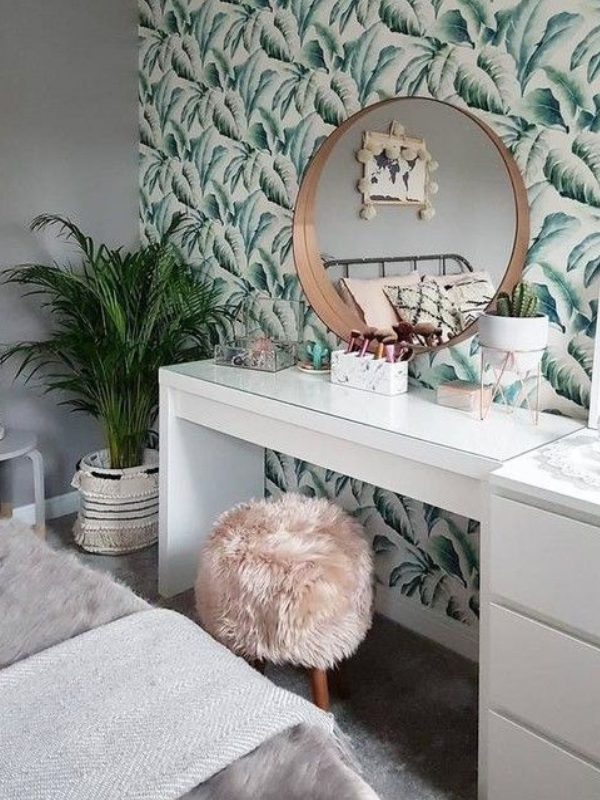3+1 Favorite IKEA products for organinzing and storing your makeup and beauty products without breaking the bank | Ioanna's Notebook #ikea #decoration #homedecor #organizing #beautystorage #storage