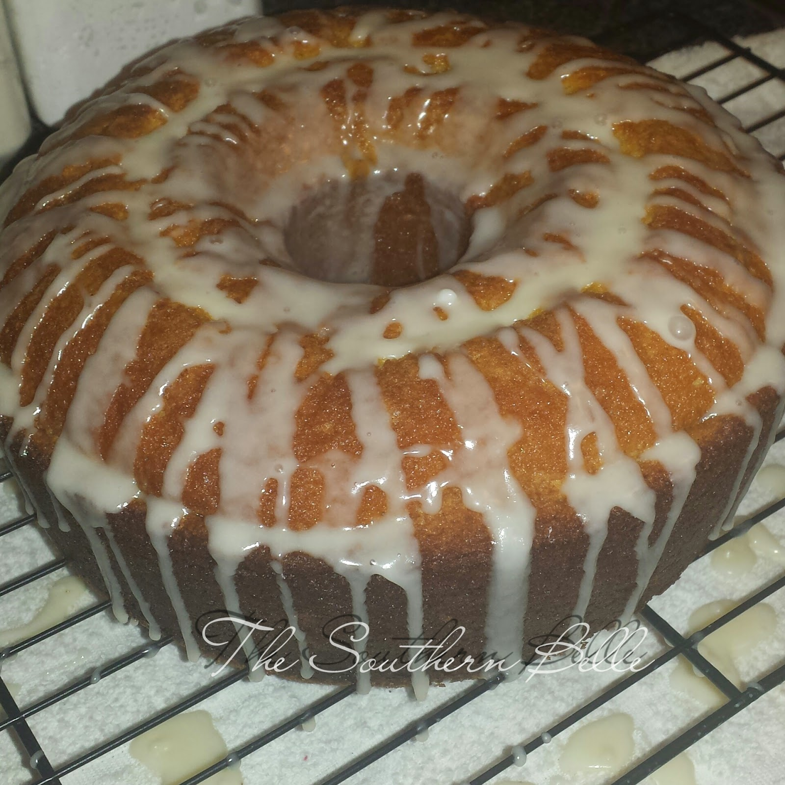The Southern Belle Cooks Lemon Vanilla Pound Cake With