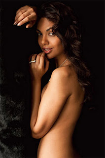 Esha Gupta No Bra Picture