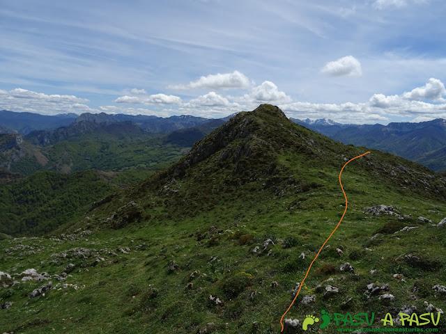 Ruta al Pierzu desde Priesca: Bajando a la Majada Cerboes