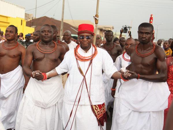 Oshiomhole declares Thursday public holiday for Oba of Benin coronation