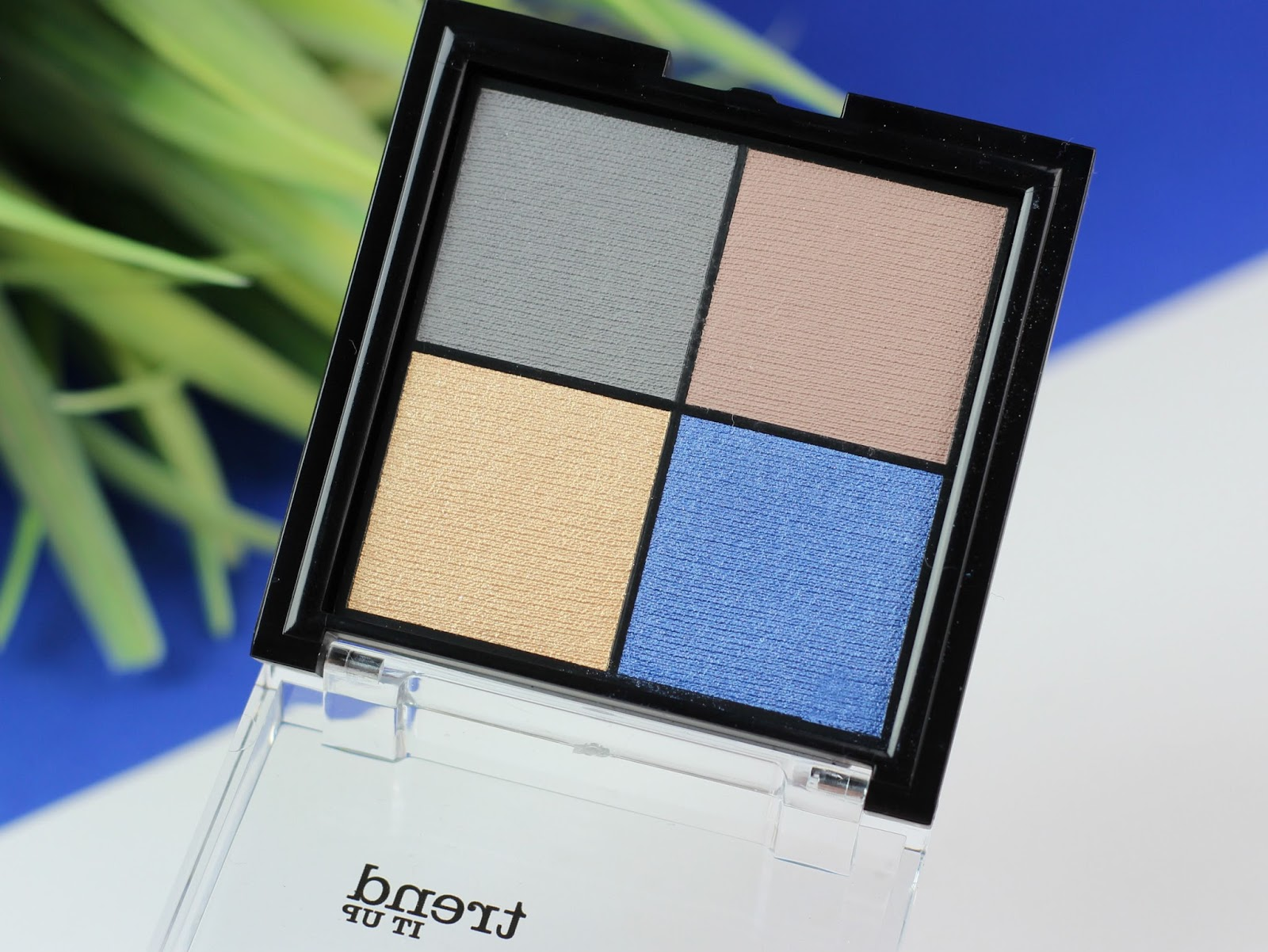 blau, bronzed look, Cool Breeze, dm drogerie markt, highlighter, limited edition, lippenstift, look, nagellack, palette, review, rouge, Strobing Blush, Strobing Powder, swatches, tiu, tragebilder, trend it up,