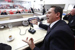 Maurão de Carvalho indica recuperação de rodovia e linha