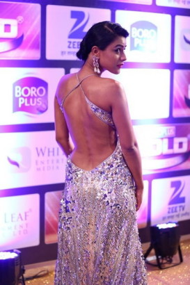TV Actress sexy back photos, TV actress Nia Sharma hot photos, Nia Sharma sexy photos