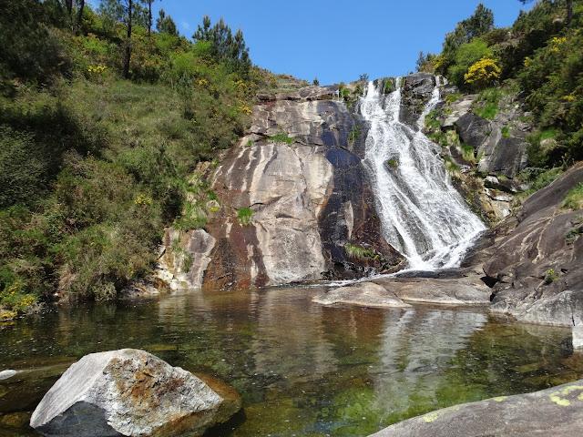 Piscinas naturales río San Xoán y río Pedras en A Pobra