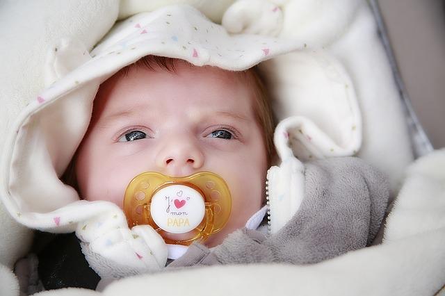 Tips Cara Mengatasi Biang Keringat Pada Bayi