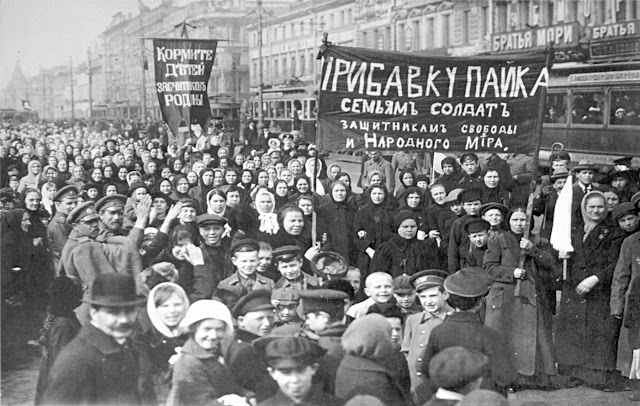 Ilustrasi Revolusi di Rusia