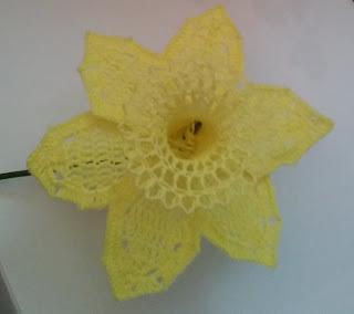 Free Crochet Daffodil
