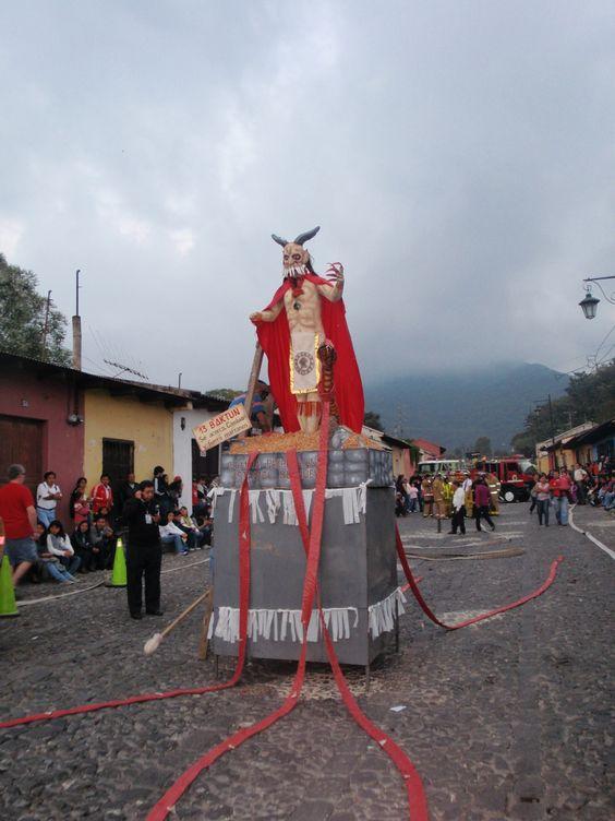 Guatemala quema del diablo