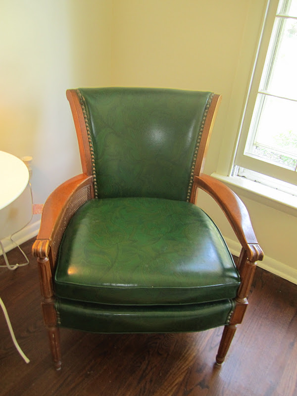 This chair has been on my list of things to do pretty much since Day 1 in the new house. I finally got to it and I wonu0027t lie ... & Swoon Style and Home: Farewell Green Pleather Chair!