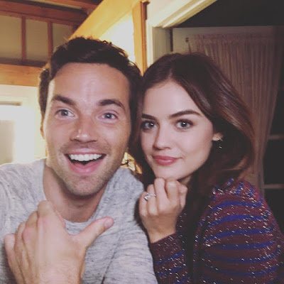 PLL behind-the-scenes 7x14 Lucy Hale and Ian Harding showing diamond engagement ring (Ezria, Lucian)