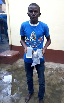 Photo: Teenager arrested in Ikorodu for allegedly selling bar of soap as mobile phones
