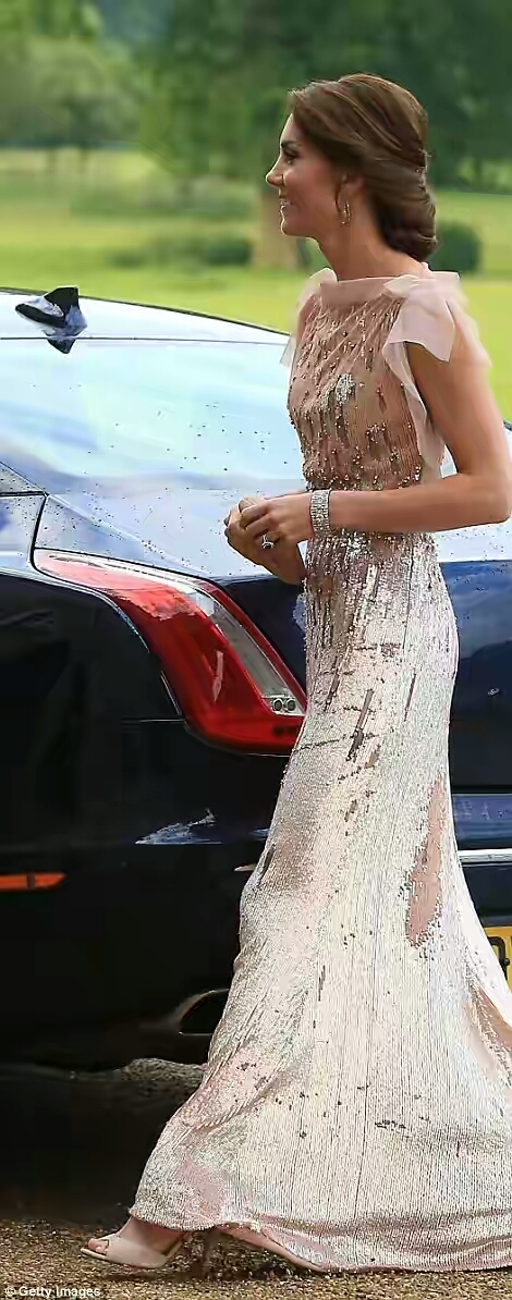 The Duchess of Cambridge Kate Re-Rocks Shimmering Pale Pink Gown 555