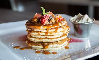 pancake with caramel sauce