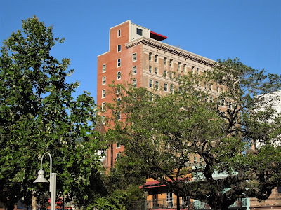 Hotel Icon - View of historic building from Market Square Park