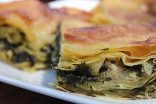 Εύκολη συνταγή για νηστίσιμη πίτα με μανιτάρια και σπανάκι