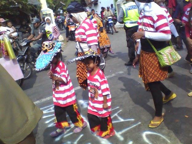 SDN Kedung Jambe 2 (galoh)  reog ponorogo pada Festival Karnaval tuban