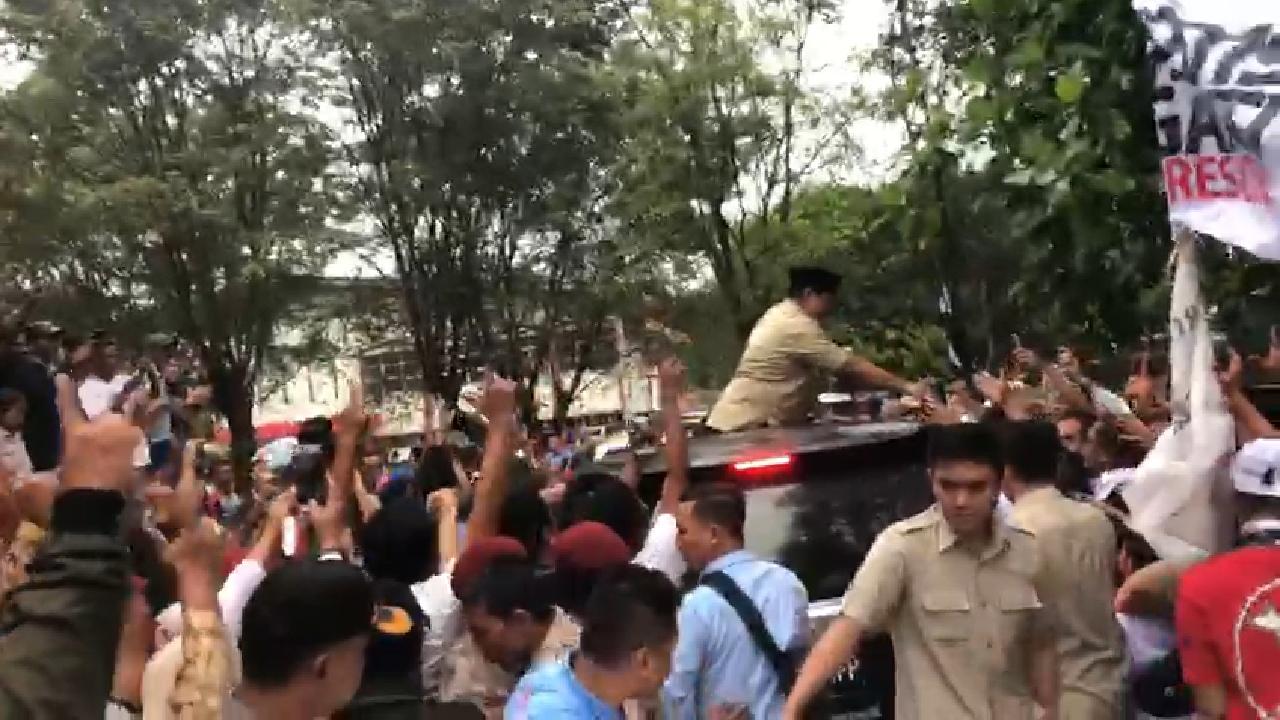 Prabowo Disambut Rahmat, Kubu Sebelah Panas Dingin