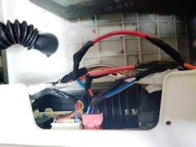 2 sambung kabel yang digigit tikus