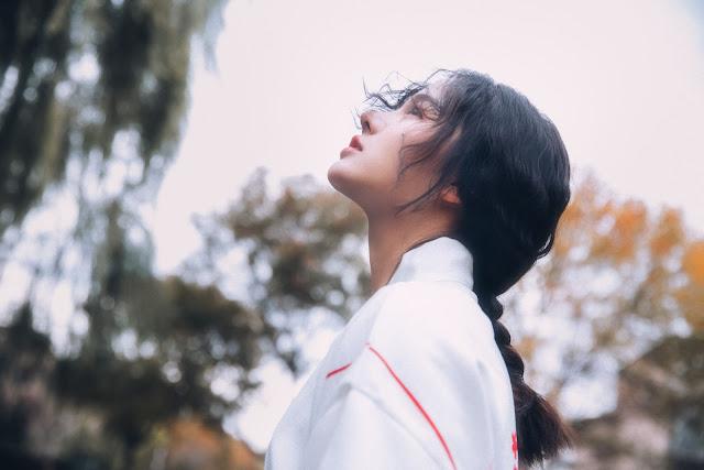 Nữ thần mới đến từ Trung Quốc đang gây sốt cộng đồng mạng với nét đẹp thoát tục, mộng mơ