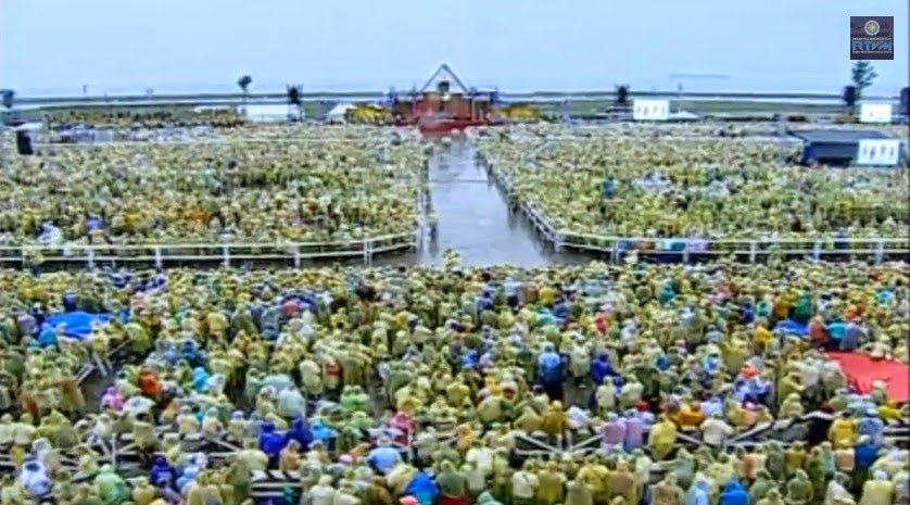 Thousands of Yolanda survivors are waiting for Pope Francis