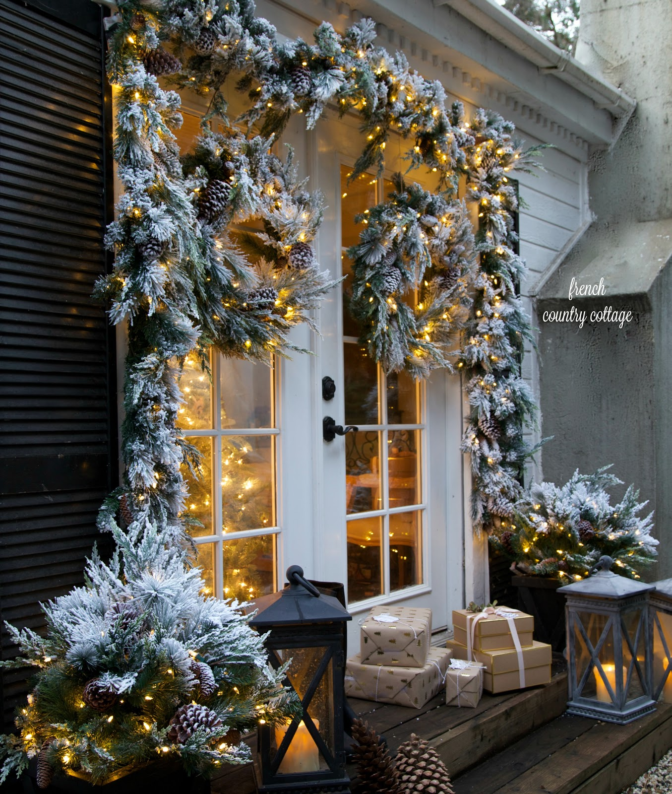Merry & bright Christmas outdoors - FRENCH COUNTRY COTTAGE
