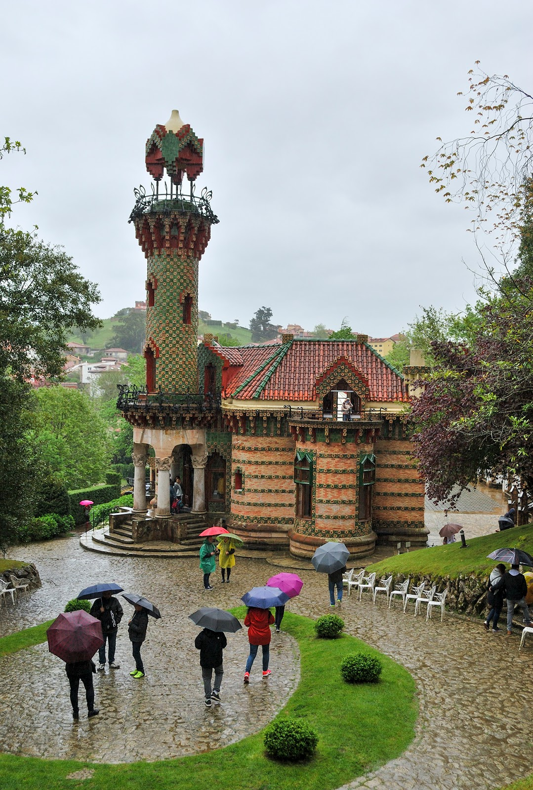 instagram worthy spots places spain instagrammable capricho gaudi comillas cantabria