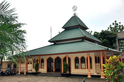 Hasil gambar untuk masjid alqolam unmuh jember