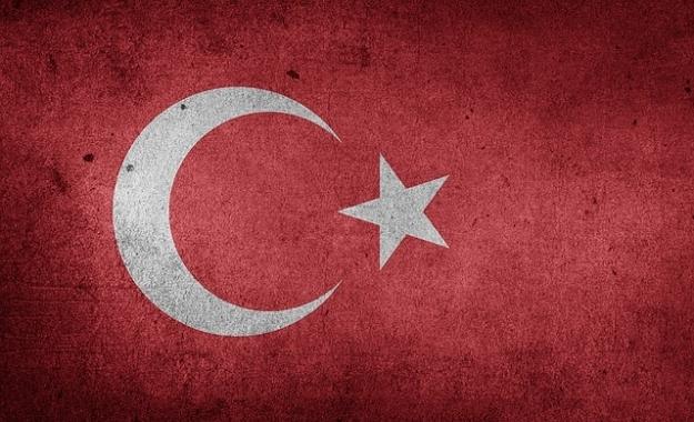 Spiegel: H Toυρκία έχει συμφέρον να μην καταγγείλει τη συμφωνία με την ΕΕ για το προσφυγικό