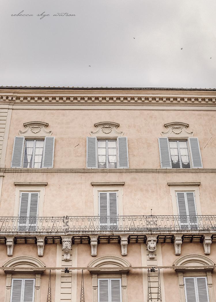 Googliercom Italy Search Date 2018 09 10 The Little Things She Needs Baran Bronze Sepatu Flat Cokelat 39 Her Namesake City For First Time