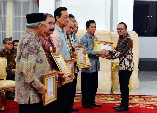 UD Ulee Kareng Terima Paramakarya Dari Presiden RI