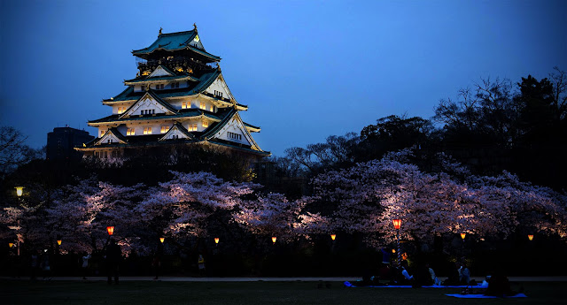 Backpacker ke Osaka Castle di jepang
