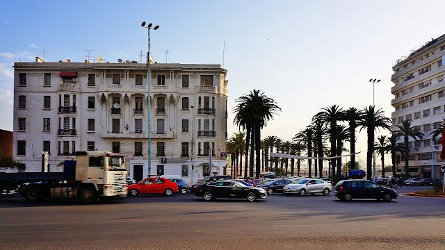 Изображение здания на Авеню Des Far в Касабланке