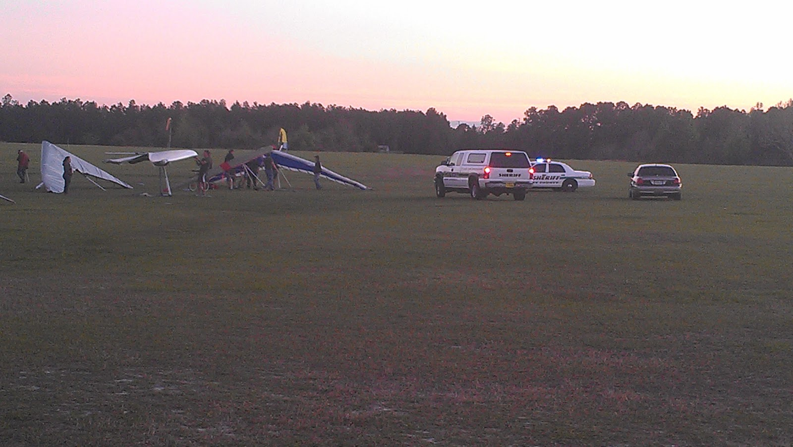 Kathryn's Report: Illinois man killed in hang gliding