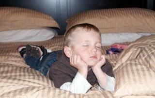 اين وكيف ينام الاطفال , طرائف الصور