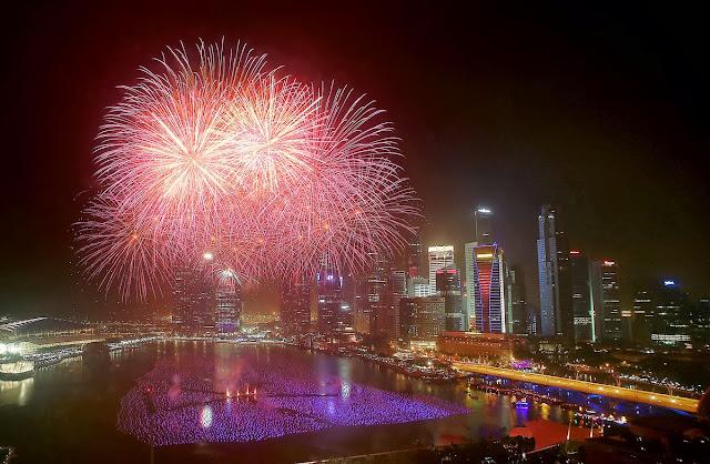 2014 new year celebration biggest crackers fireworks