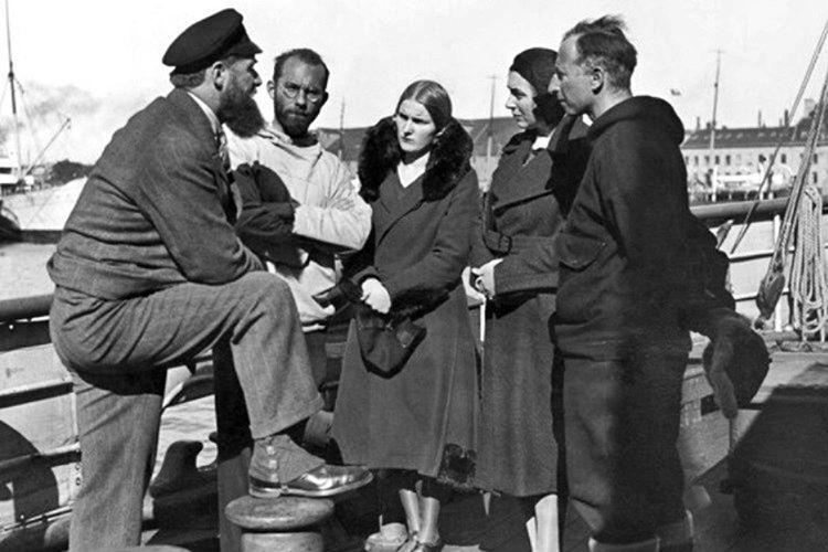 Peter Freuchen, 2. Dünya Savaşı esnasında işgalcilere karşı mücadele etti ve tutuklanınca idam cezası aldı.