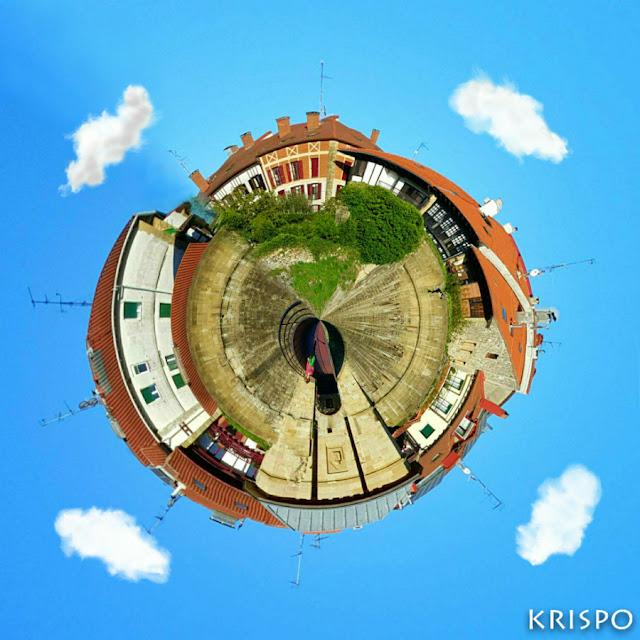 casas y muralla de hondarribia en imagen circular