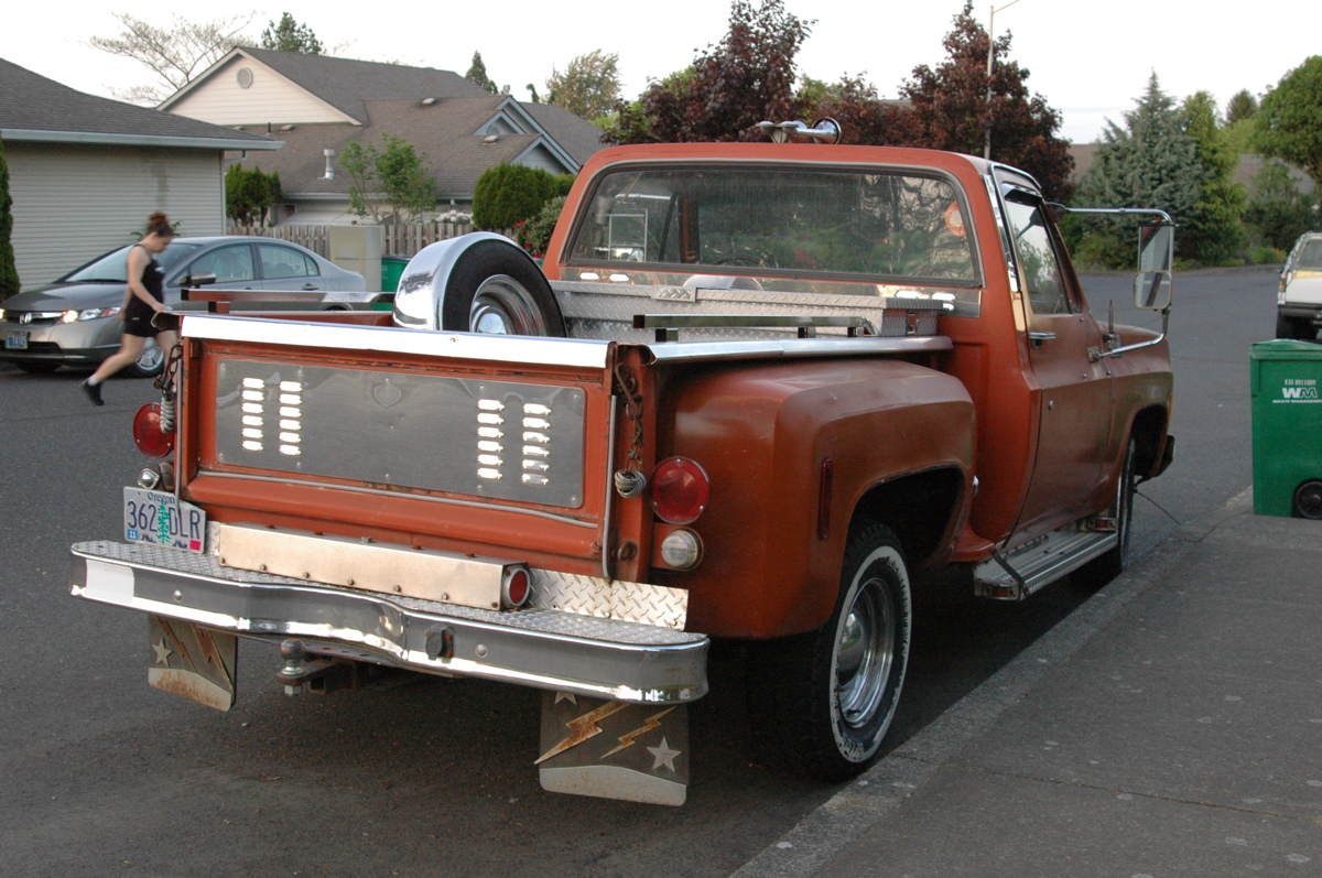 Truck 1977 chevy truck hood : OLD PARKED CARS.: 1977 Chevrolet C10 Custom Deluxe Stepside.