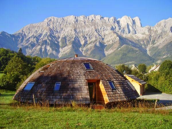 Le Chalet Tournesol maison Domespace avec chambres d'h u00f4tes insolitesà vendre dans les Alpes du Sud # Maison Ronde En Bois A Vendre