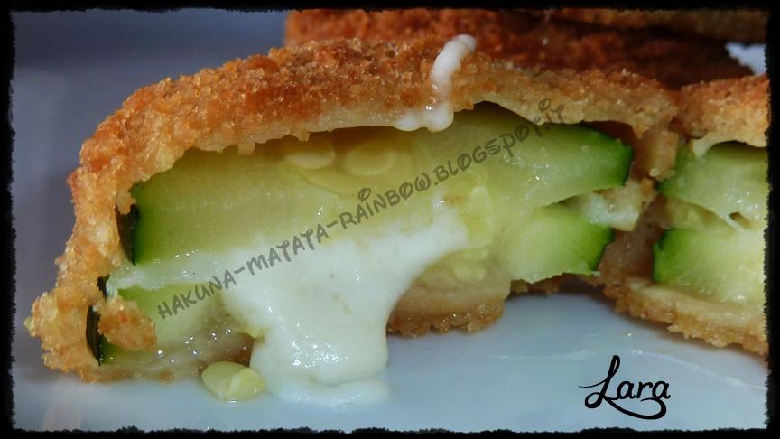 http://cucinaconlara.blogspot.it/2014/07/sandwich-di-zucchine-zucchine-filanti.html