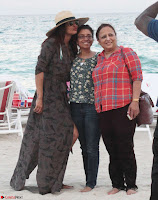 Priyanka Chopra on the beach Day 3 with friends in Miami Exclusive Pics  005.jpg