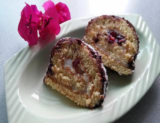 kirazlı yaş pasta
